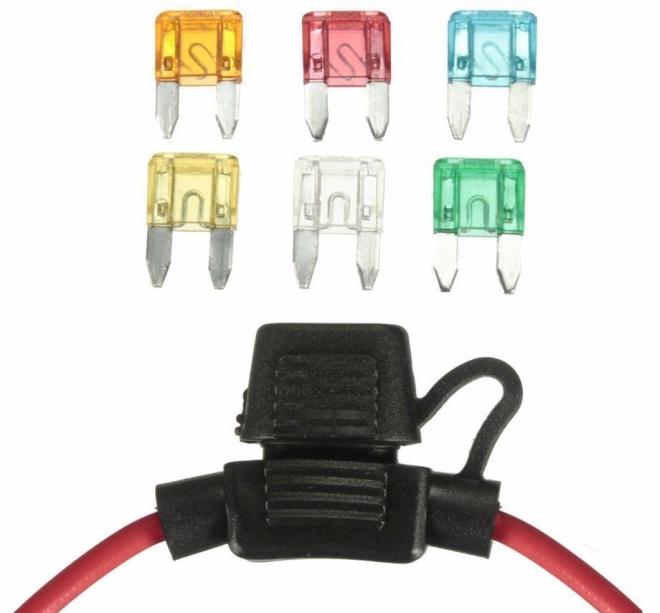 12 volt car blade fuse and fuse holder